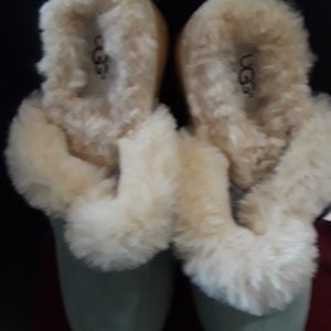 UGGS SHOES SIZE # 9
